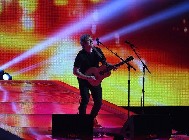 Ed Sheeran BRIT Awards 2015 Performance