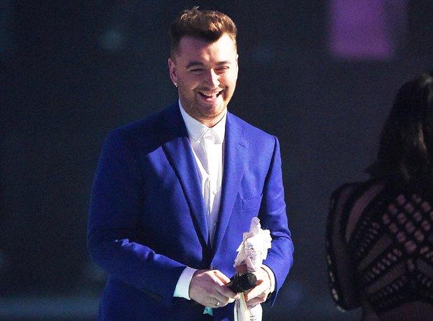 Kardashian BRIT Awards Performance 2015