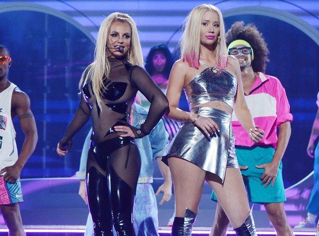 Iggy Azalea and Britney Spears Billboard Awards 20