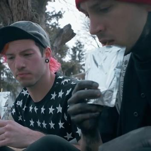 Twenty One Pilots Stressed out