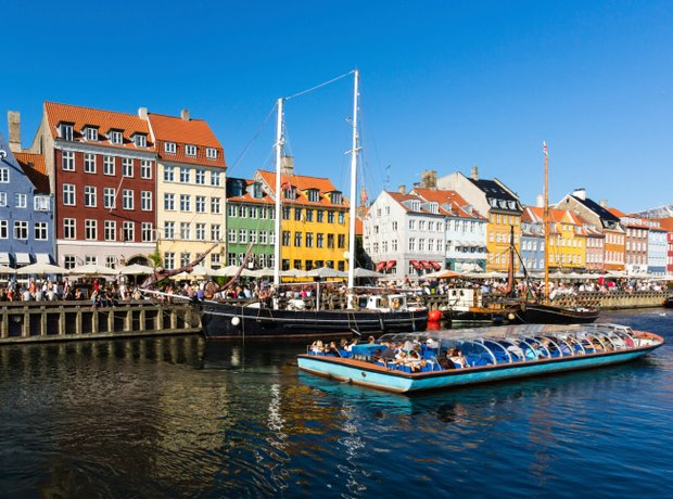 Copenhagen houses, canal