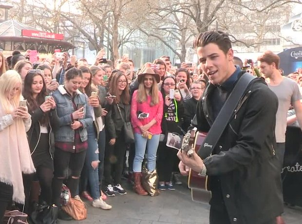 Nick Jonas acoustic at Capital