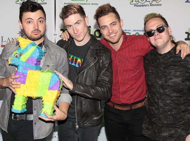 Walk The Moon Red Carpet