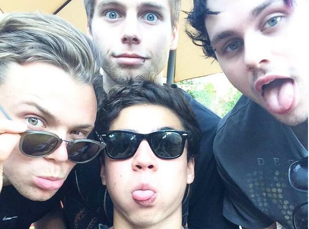 5 Seconds Of Summer Selfie