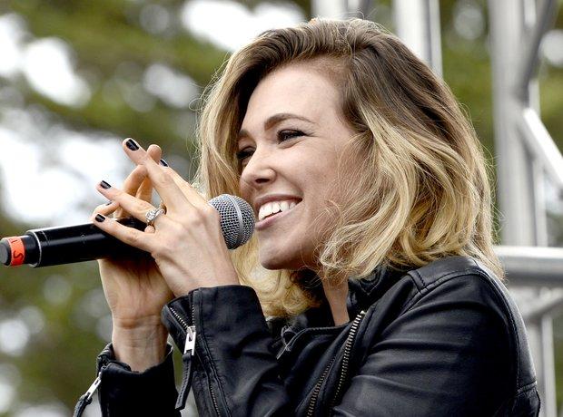 Rachel Platten performing